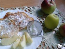 Racuchy na maślance z jabłkiem