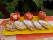 Racuszki z miodem i jabłkami