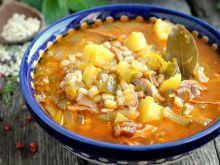 Rassolnik czyli zupa ogórkowa po rosyjska