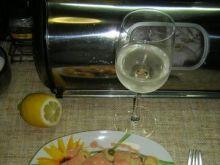 Ravioli i tortellini z groszkiem w sosie