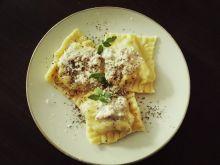 Ravioli z fasolką szparagową i gorgonzolą