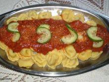 Ravioli z sosem neapolitańskim: