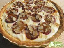 Razowa tarta ze śliwkami i serem