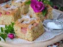 Razowe ciasto z rabarbarem