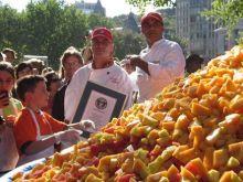 Rekordowa sałatka owocowa