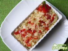 Risotto z papryką i pomidorami