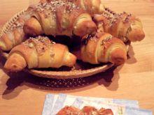 Rogaliki drożdżowo - francuskie z orzechami