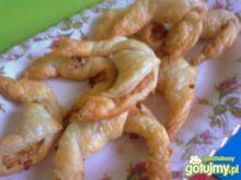 rogaliki z ciasta francuskiego