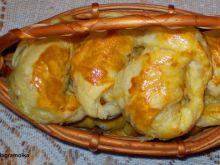 Rogaliki z ciasta francuskiego z kapustą