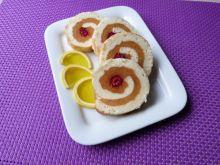 Rolada biszkoptowa z musem brzoskwiniowym
