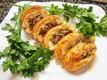 Rolada drobiowa nadziana grzybami i camembertem