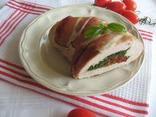 Rolada z indyka ze szpinakiem ii pomidorami