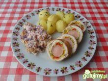 Rolada z kurczaka z omletem i parówką