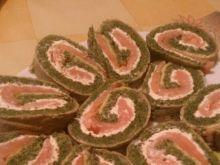 Rolada z łososiem i szpinakiem