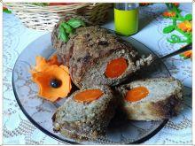 Rolada z mielonego z ryżem,grzybami i marchewką