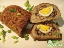 Rolada z pieczarkami, fasolką i jajkiem