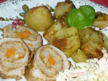 Rolada z szynki wieprzowej z mięsem i marchewką