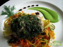 Roladka z indyka z fasolką i warzywami