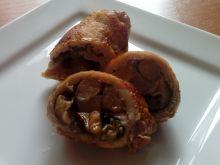 Roladki schabowe z grzybami i serem pleśniowym