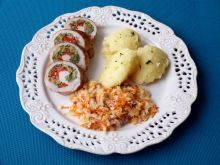 Roladki wieprzowe z brokułem i papryką