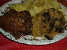 Roladki wieprzowe z kapustą i grzybami