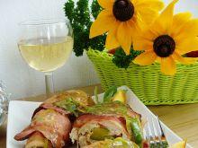 Roladki  z brzoskwinią w winno-porowym sosie