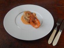 Roladki z jesiotra z sosem krewetkowym