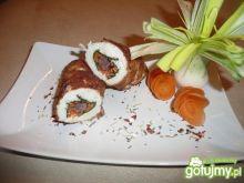 Roladki z kabanosem i marchewką