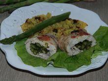 Roladki z kurczaka z zielonymi szparagami