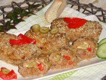 Roladki z mięsa mielonego z camembertem