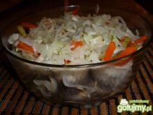 Rolmposy z marchewka i ogórkiem w cebuli