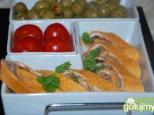 Rolowana tortilla z tuńczykiem