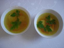 Rosół z kluskami z kaszy manna