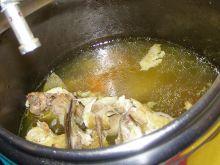 Rosół z kury wiejskiej z szybkowara