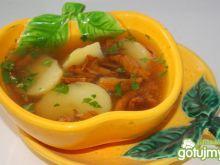 Rosół z ziemniakami i kurkami