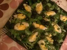 Roszponka z oliwkami i jajkiem