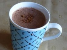 Rozgrzewająca gorąca czekolada z cynamonem