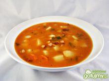 Rozgrzewająca zupa fasolowa