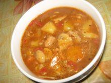 Rozgrzewająca zupa węgierska