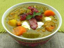 Rozgrzewająca zupa z soczewicy i cukinii