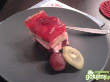 Różowe ciasto truskawkowe