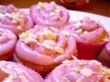 Różowe muffinki z konfiturą