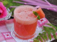Różowy-arbuzowy drink