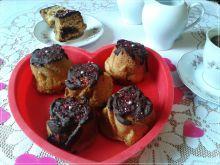 """Różyczki-muffinki bez jaj z """"dżemem"""" rodzynkowym"""
