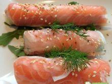 Ruloniki z łososia z majonezem