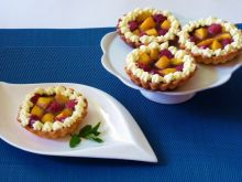 Rumowe tartaletki z owocami