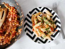 Rurki w sosie pomidorowym z tuńczykiem
