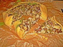 Rustykalna tarta z kurczakiem, kurkami i serem