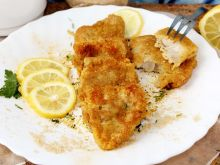 Ryba panierowana w płatkach drożdżowych
