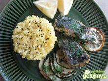 Ryba pieczona w ziołach i cukinii